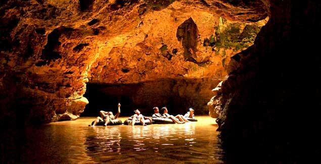 cave tubing kalisuci (telusuriindonesia.com)