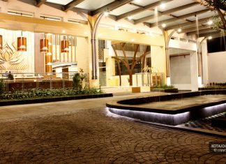 Hotel Crystal Lotus