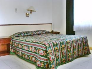 Suasana Kamar Hotel Brongto