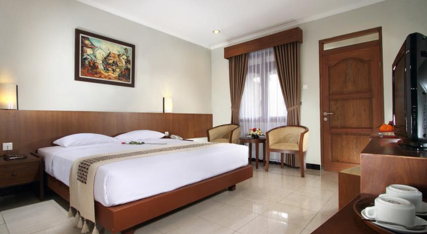 Kamar Hotel Cakra Kembang. Sumber:booking.com