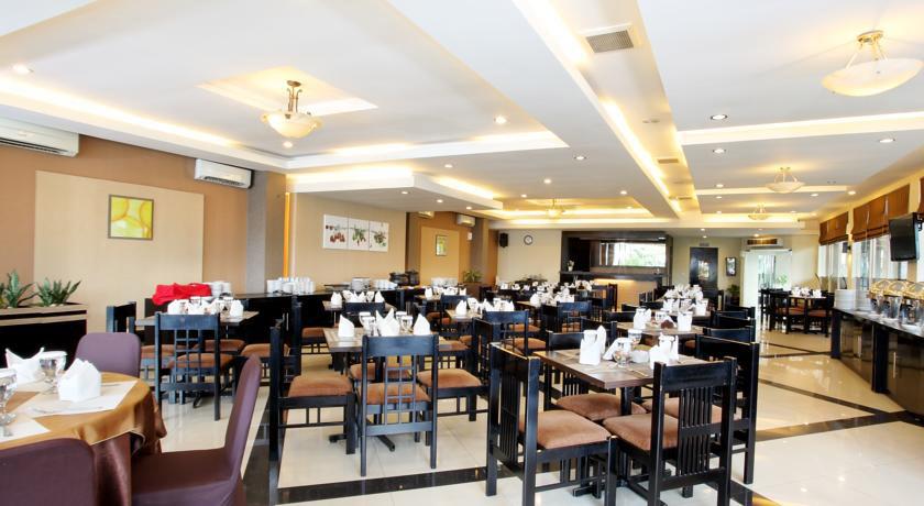 Suasana Restoran Hotel Grage Jogja. Sumber: booking.com