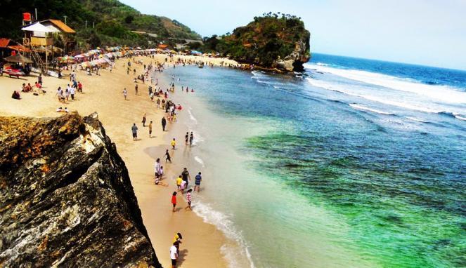 Pantai Indrayanti (viva.co.id)