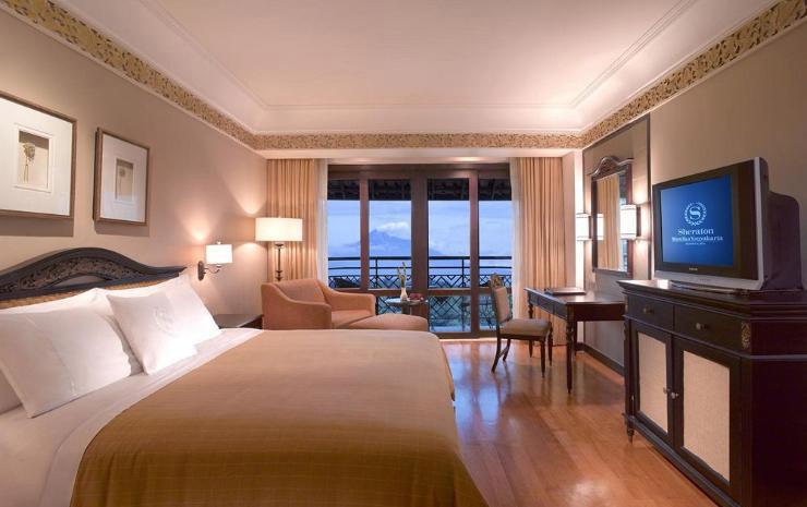 Kamar Hotel Sheraton Mustika. Sumber: traveloka.com