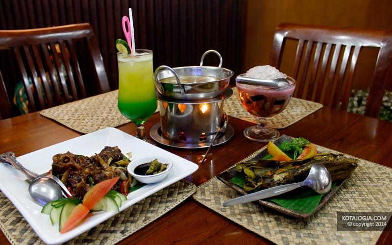 Sajian Menu Makanan Di Bumbu Pawon Resto