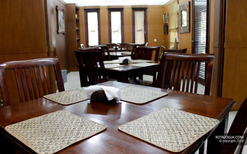 Suasana Di Bumbu Pawon Resto