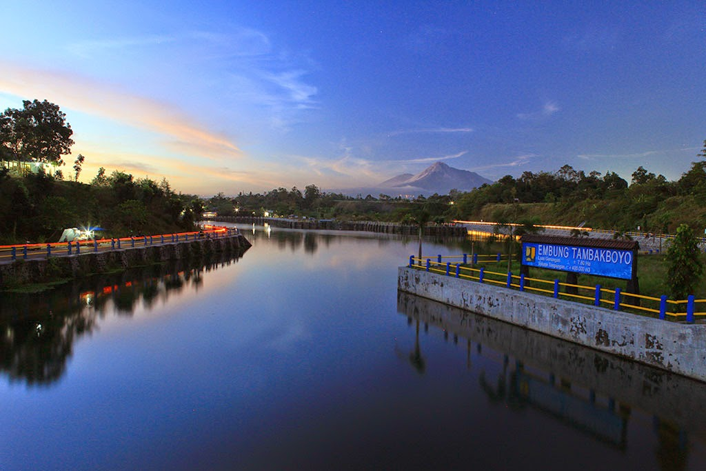 Embung Tambakboyo (sumber: duapagiwae.blogspot.com)