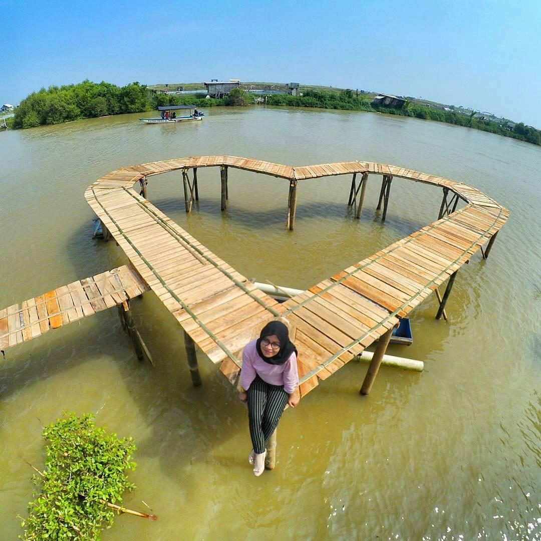 Pantai Pasir Kadilangu (sumber : foto IG norel08)
