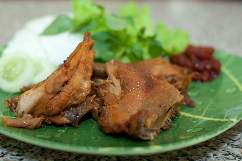 Ayam Goreng Bu Tini (sumber: jajan jogja)